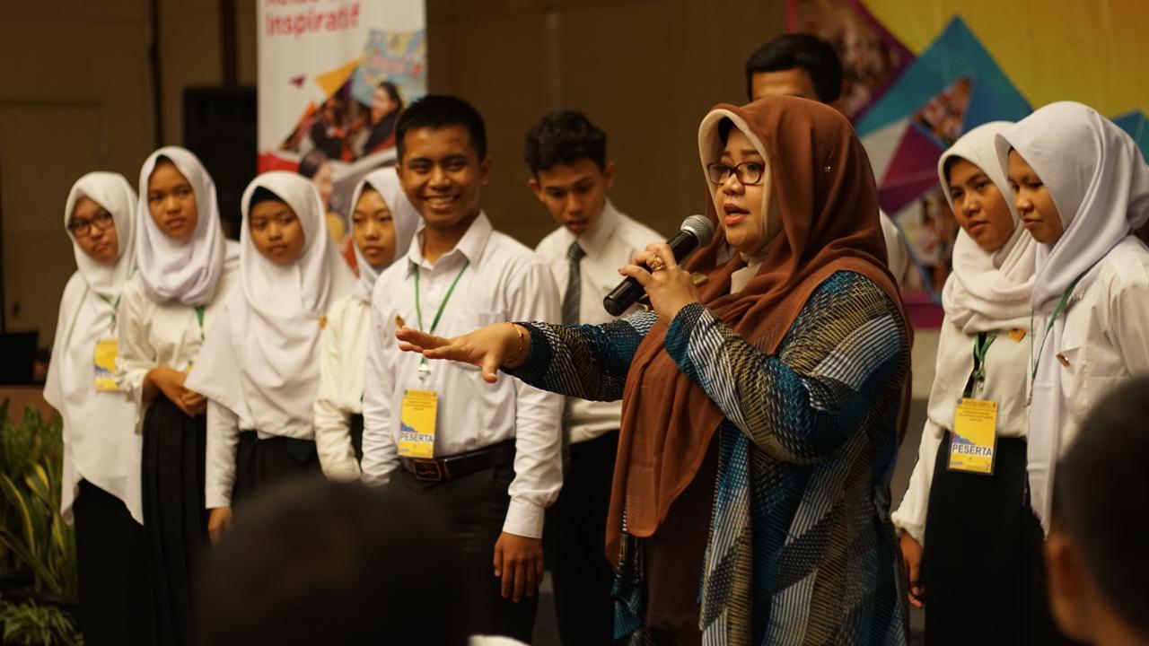 Pelatihan kepada 40 siswa siswi SMA dan SMK