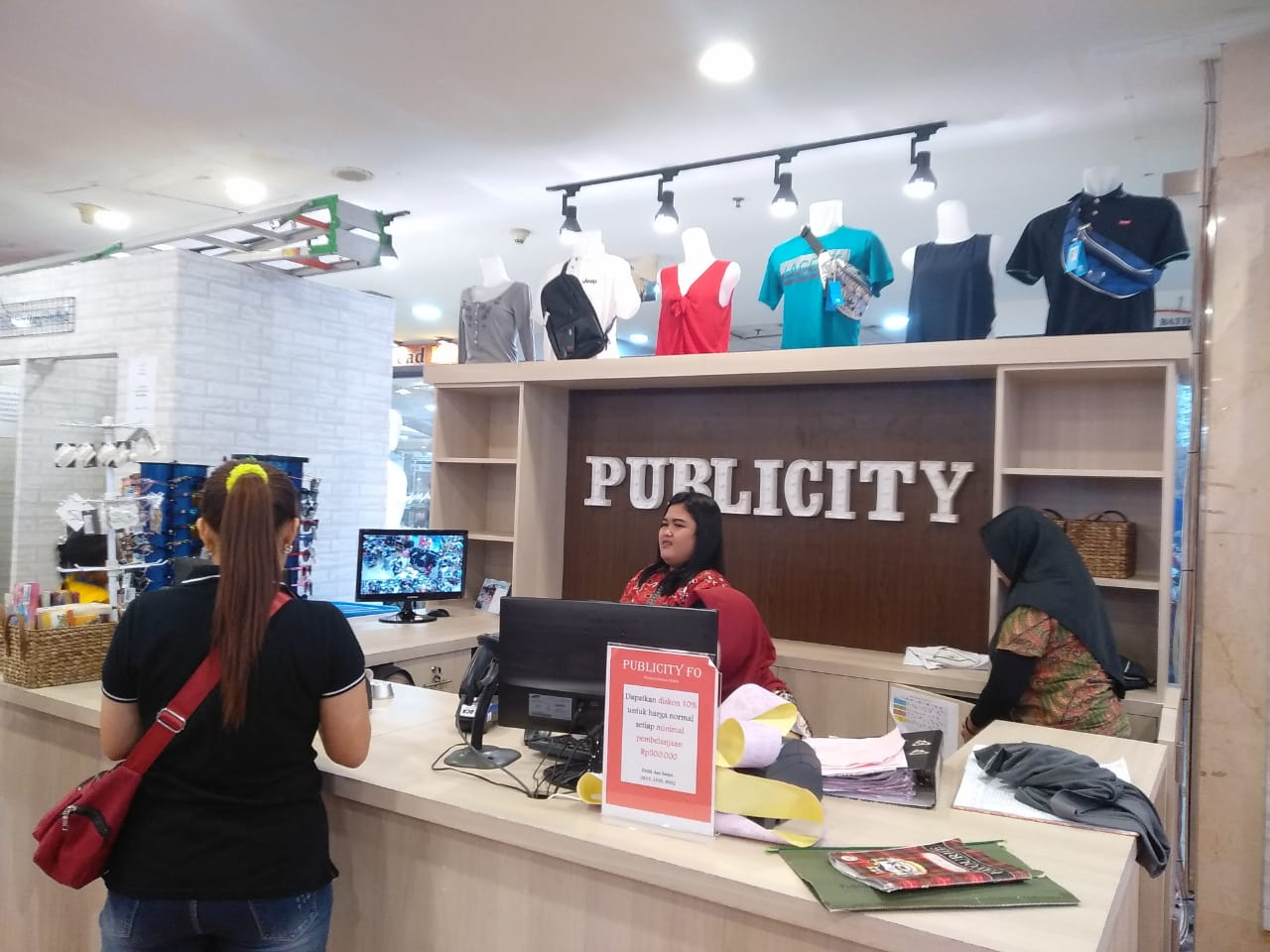 Baju branded murah di Publicity Factory Outlet