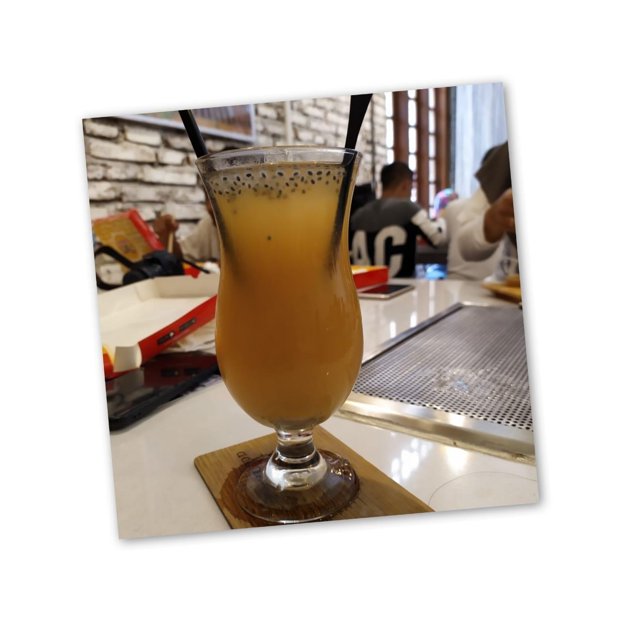 Golden Sparkling dari Acaraki Cafe