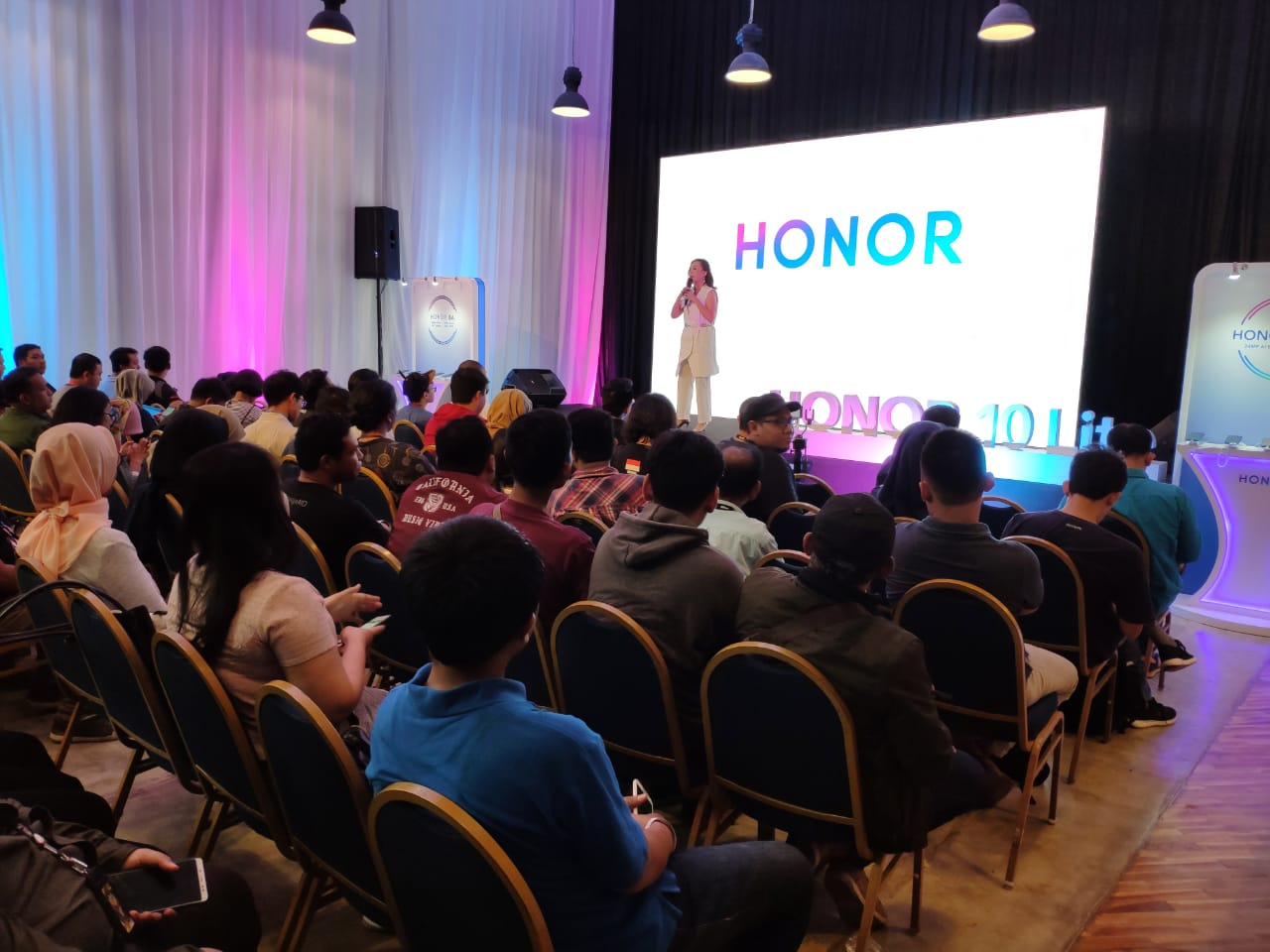 Peluncuran smartphone HONOR 10 Lite, di Jakarta.