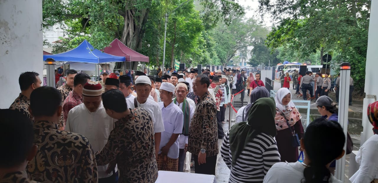 Benteng Vastenburg Surakarta ramai dengan warga kota Solo.