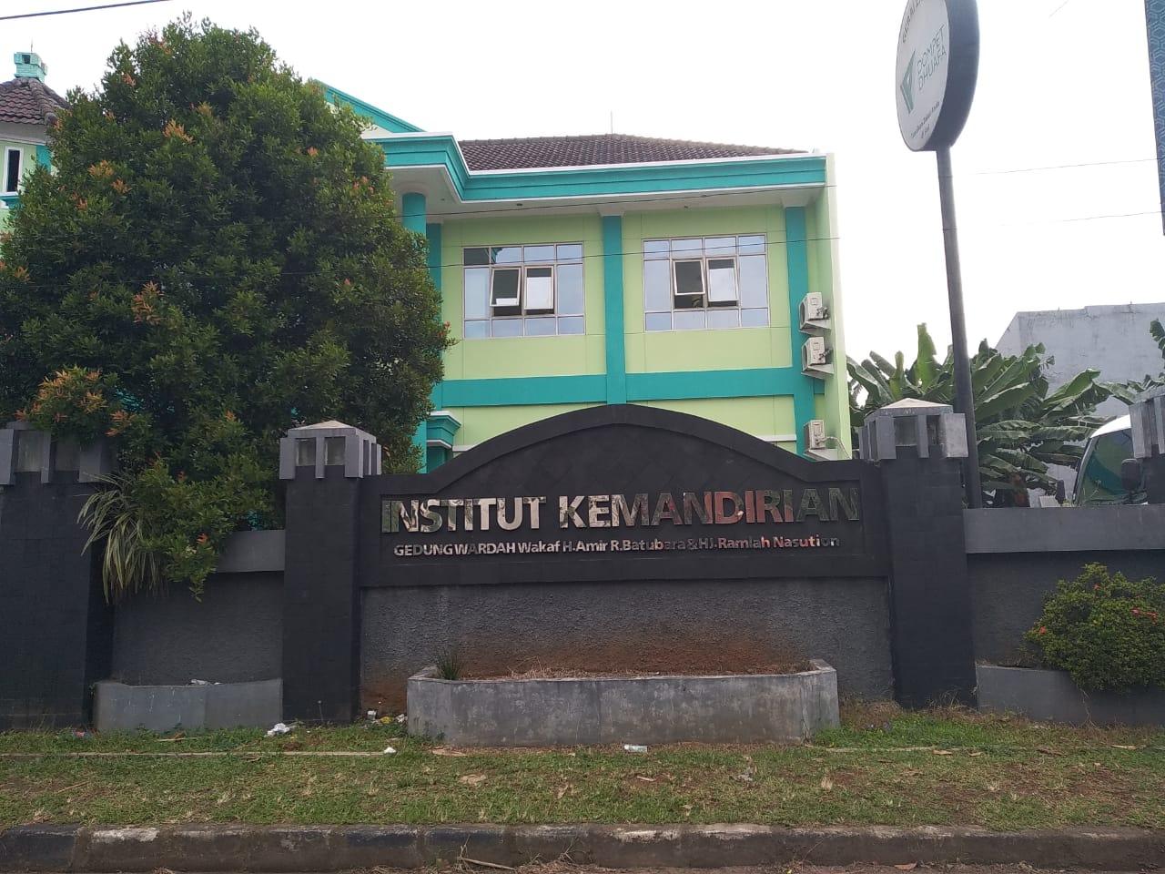 Institut Kemandirian yang berada di Karawaci, Tangerang
