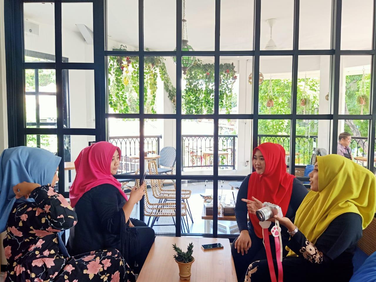 Hijab instan untuk pipi tembem yang modern dan Modis