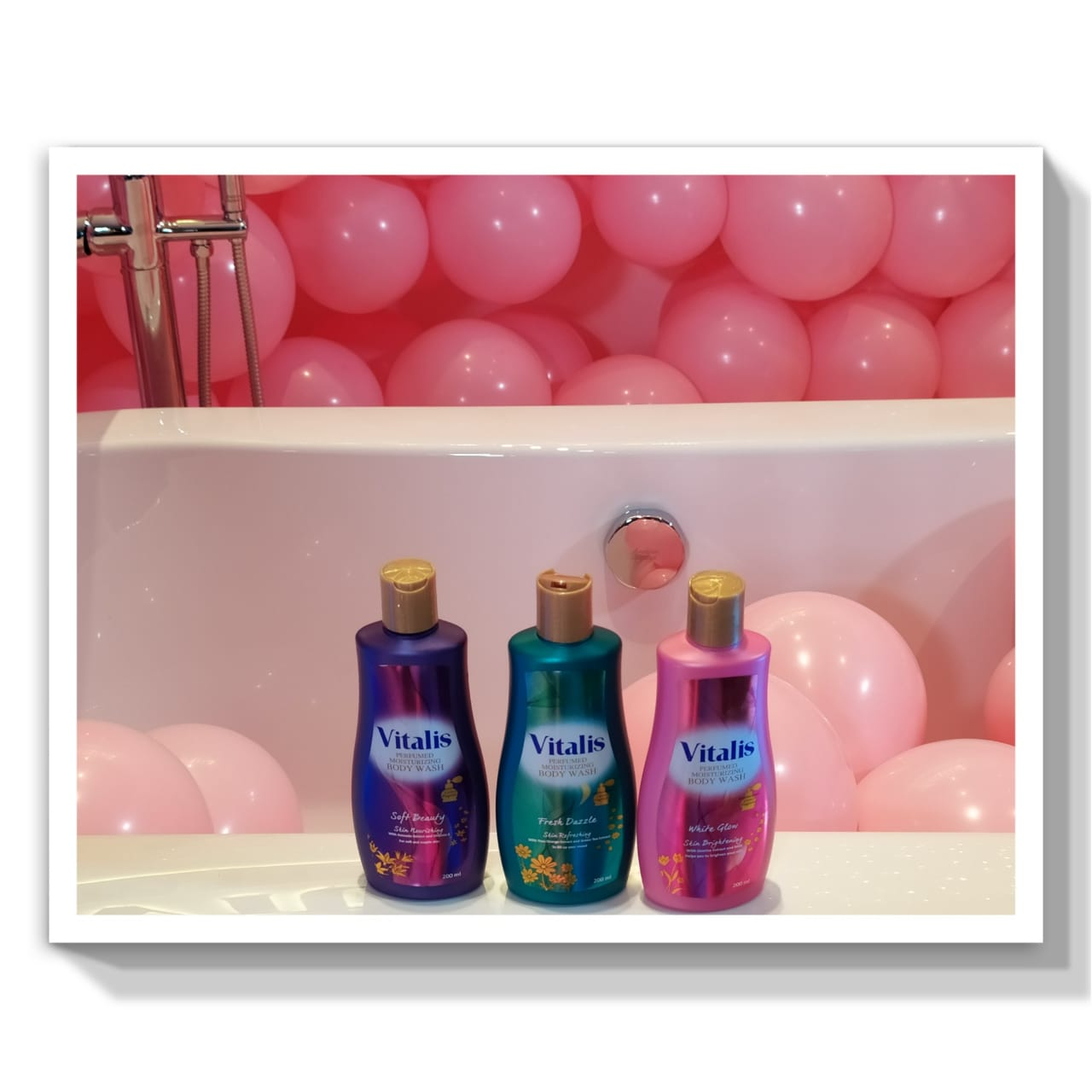 Mandi dengan Vitalis Perfumed Body Wash