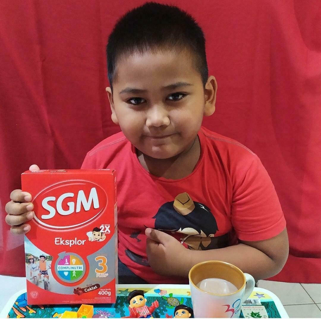 Penuhi nutrisi anak dengan gizi seimbang dan 2 gelas susu setiap hari